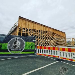 🏗️ Rakennustyömaa Oulussa etenee!  #juhanauto #oulu #kuusamo #raahe #kemijärvi #vaihtoautot #toyotasuomi #autohuolto