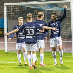 Reilu viikko sitten Juhan Auton pitkäaikainen yhteistyökumppani AC Oulu nousi kymmenen vuoden tauon jälkeen takaisin maamme pääs...
