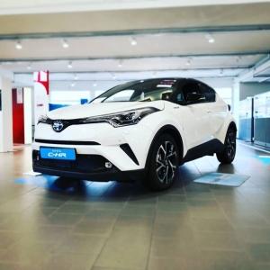 Näyttävä menopeli tämä Toyotan C-HR vai mitä? #oulu #juhanauto #toyotasuomi