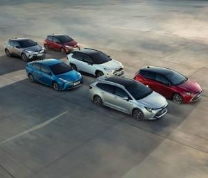Viikonloppunäyttely Juhan Autossa la-su 30.-31.3. Koeajossa uusi Corolla Hybrid perhe - tervetuloa! Olemme avoinna lauantaina klo 10-15 ja sunnuntaina klo 11-15 #juhanauto #toyotasuomi